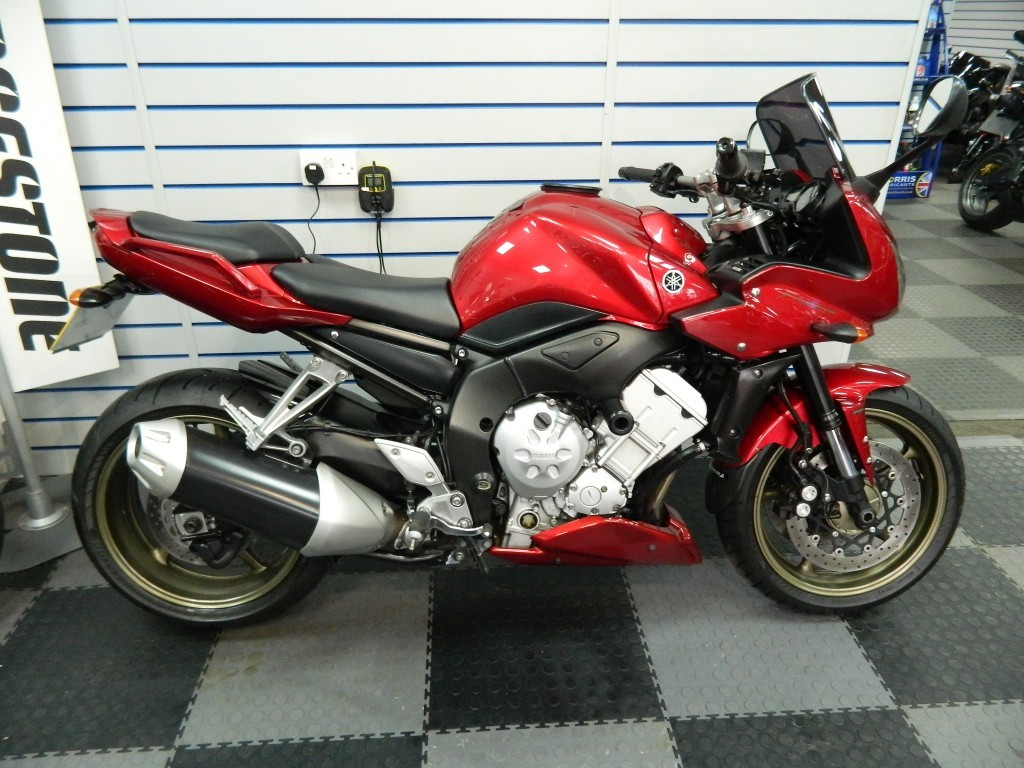 yamaha fz1 for sale in northamptonshire churchill motorcycles. Black Bedroom Furniture Sets. Home Design Ideas